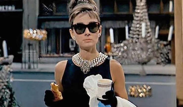 Via https://assets.blog.foodnetwork.ca/imageservehttps://cdn.kincir.com/1/old/sites/6/2015/07/Breakfast-At-Tiffanys-Coffee-Croissant-Scene/x.jpg